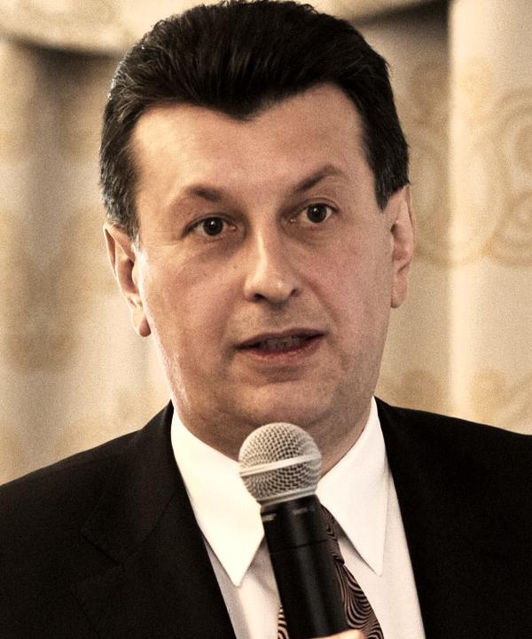 Валерий Остриков